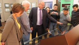 В Национальном музее республики открылась персональная выставка Анатолия Фадеева, приуроченная к 60 - летию художника