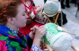 В выставочном зале «Ижад» состоялась творческая встреча с членами клуба любителей плетения на коклюшках «Плетешок»
