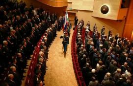 Рустэм Хамитов поздравил жителей республики с Днём защитника Отечества