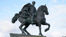 Радий Хәбиров халҡыбыҙҙың легендар батыры Миңлеғәле Шайморатовҡа Герой исемен юллауы хаҡында әйтте