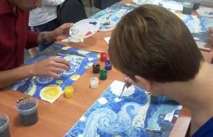 Выставочный зал «Ижад» проводит мастер-классы по репродукциям Ван Гога