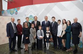 Игорь Комаров и Радий Хабиров встретились с победителями фестиваля «Театральное Приволжье»