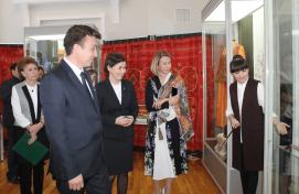 Министры культуры Башкортостана и Татарстана открыли выставку «Коллекция татарского национального костюма и образцов декоративно-прикладного искусства»