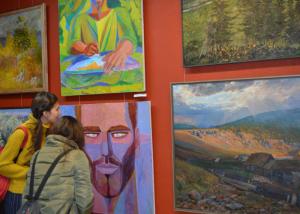 В Уфимской художественной галерее проходит Республиканская выставка-конкурс художественных произведений «Рождение Республики»