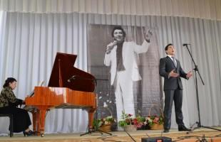 Открытый конкурс вокалистов имени Радика Гареева пройдёт в Янауле