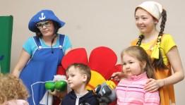 Актеры Башкирского государственного театра кукол показали в детской больнице благотворительный спектакль