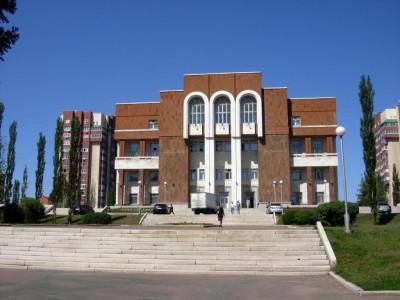 Дом профсоюзов (и основание Александровской церкви)