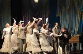В репертуар Государственного академического русского драматического театра возвращается комедия «Бешеные деньги»
