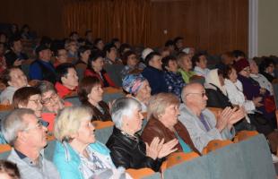 Дюртюлинцы передали эмблему Года театра Кушнаренковскому району