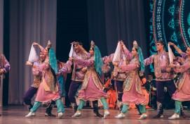 Ансамбль песни и танца «Мирас» открыл новый концертный сезон