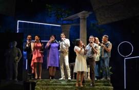 Театр «Нур» закрыл 27-й сезон премьерой комедии «Там, где сбываются мечты» И. Зайниева