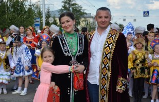 In Ufa, more than three thousand people joined the National Costume Festival.