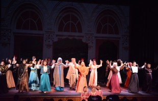 В Молодежном театре им.М.Карима с успехом прошла премьера спектакля «Королек — птичка певчая»