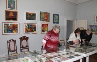 В Уфе открылась выставка иллюстраций частушек, поговорок и песен