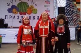 Артисты Дома культуры РЦНТ выступили на Фруктовом празднике