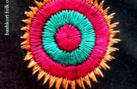 Выставочный зал «Ижад» приглашает на мастер-класс по тамбурной вышивке «Солярный круг»