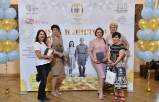 Спектакль «Луна и листопад» по повести Мустая Карима показали в Челябинске и Екатеринбурге