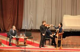 В рамках Конкурса скрипачей Владимира Спивакова мастер-классы провели члены жюри Цянь Чжоу и Такаси Симидзу