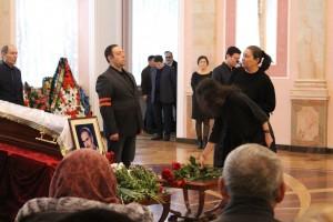 Бөгөн Өфөлә опера йырсыһы Салауат Асҡаров менән хушлаштылар