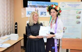 В рамках проекта «Родной земли многоголосье» БРСБС представила мультиязыковые книги для незрячих и слабовидящих