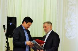 В Уфе открылась юбилейная выставка народного художника Башкортостана Виктора Суздальцева