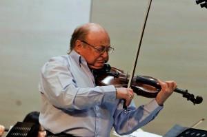 В Уфе выступил известный скрипач-виртуоз из Израиля Александр Поволоцкий