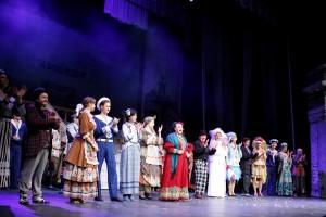 Театр «Русская Песня» Надежды Бабкиной представил в Уфе спектакль «За двумя зайцами»