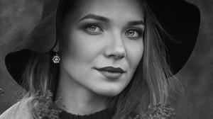 """Выставка Лилии Фроловой-Насибуллиной в галерее """"Урал"""""""