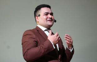 В Уфе состоялся первый сольный концерт кураиста Ильнура Хайруллина