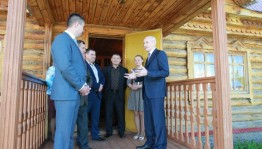 Глава республики посетил музейный комплекс в с. Слакбаш